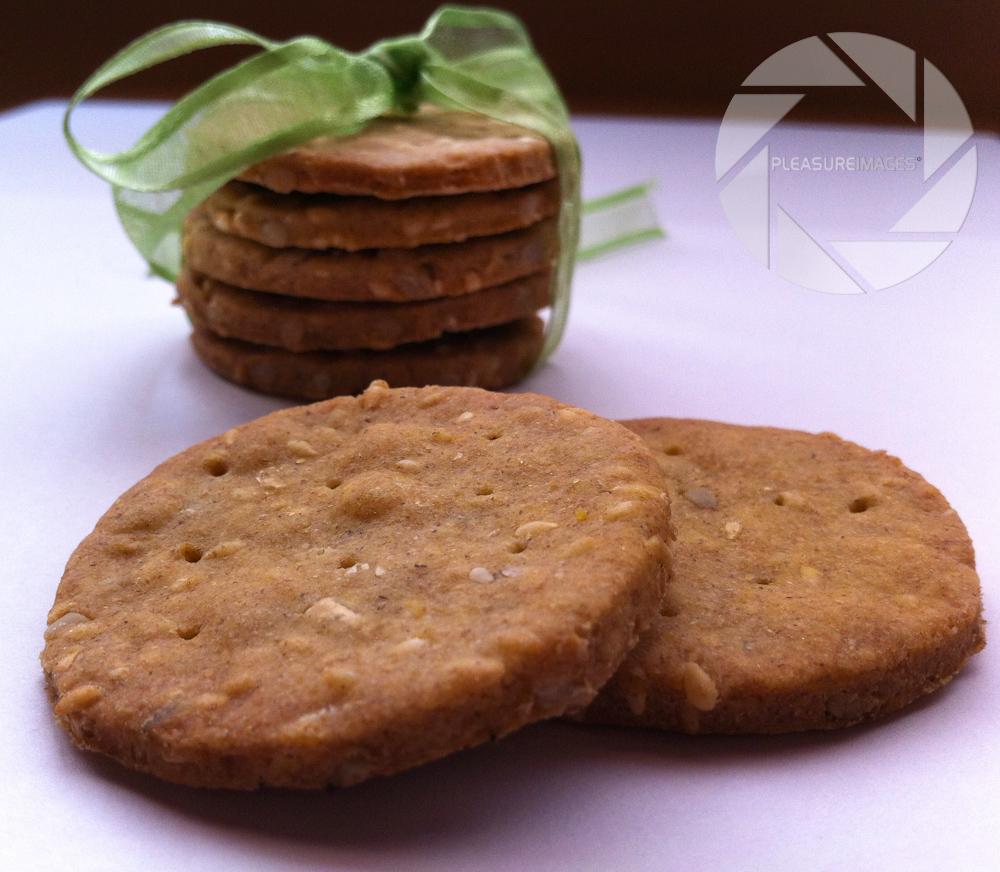 Kukuruzno-raženi krekeri s majčinom dušicom